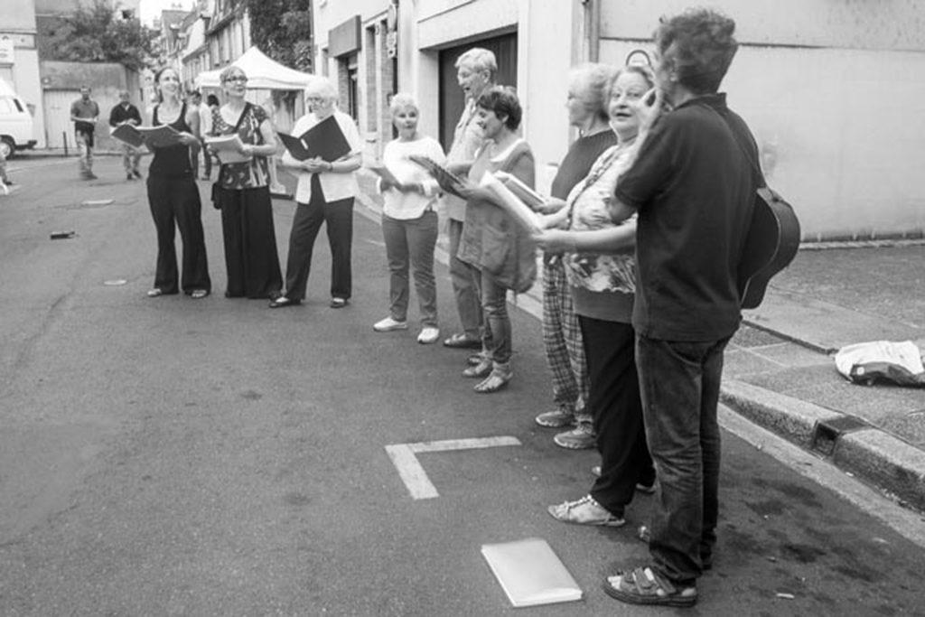 F Chorale dans la rue